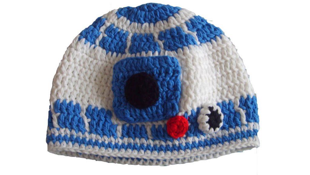 Шапка в виде R2-D2