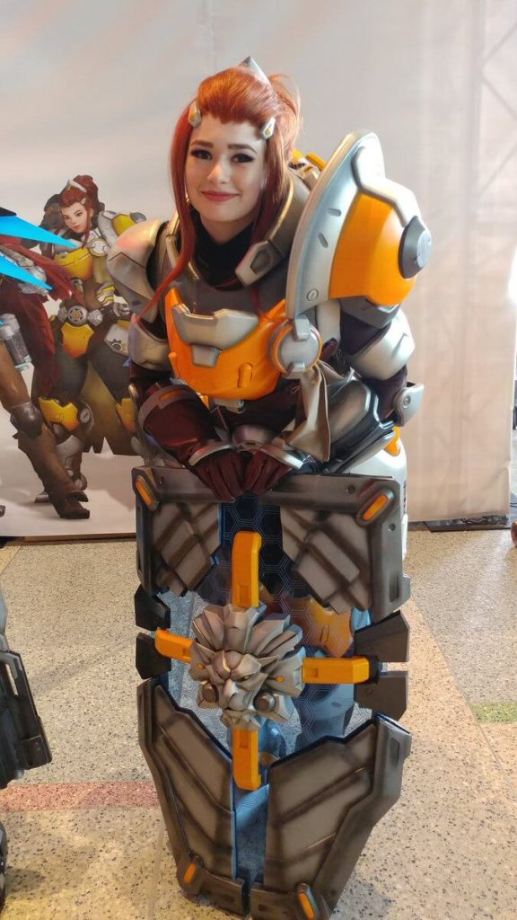 Косплей Бригитты из Overwatch выглядит идеально