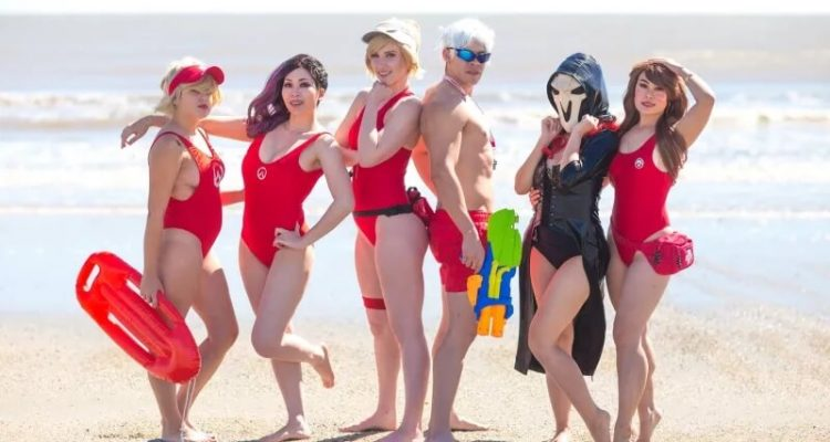 "Команда ""А"" проводит время на пляже"