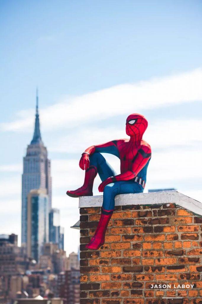 Косплей Spider-Man возвращается домой