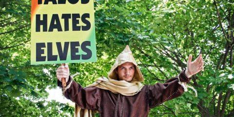 Скайрим-косплеер присоединился к христианскому протесту
