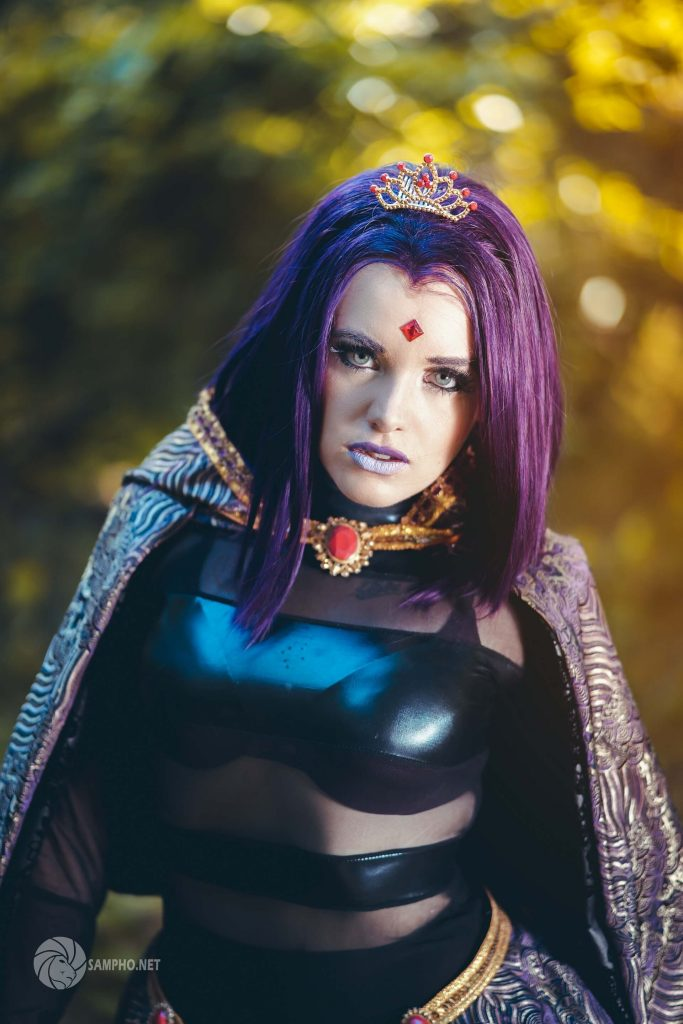 Королева Титана из Teen Titans