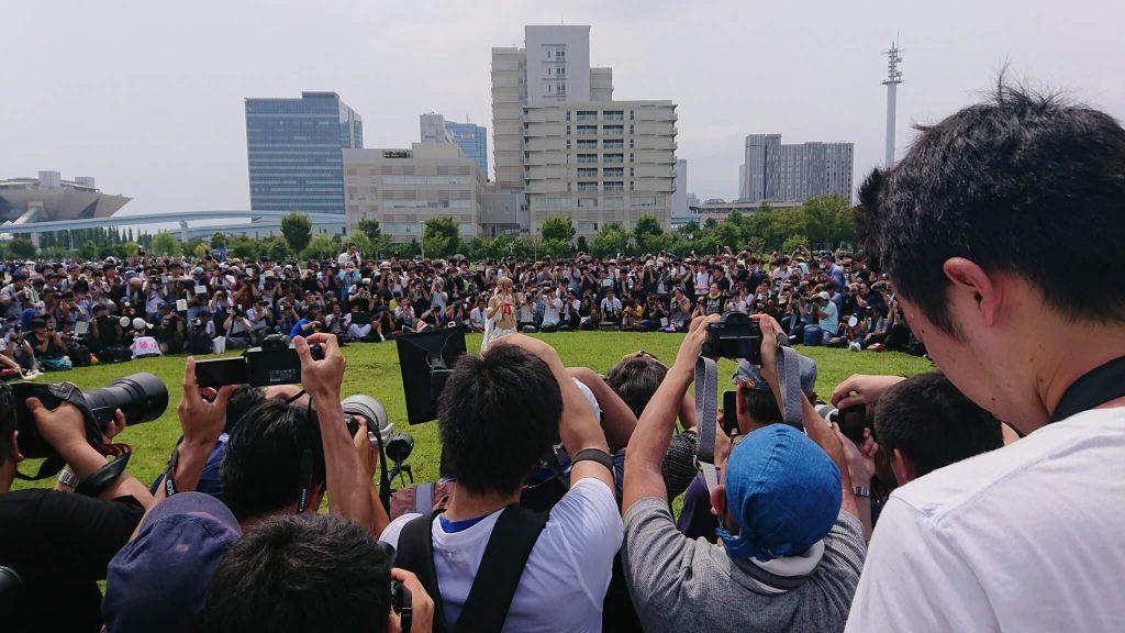 Самый знаменитый косплеер в Японии собрал огромную толпу