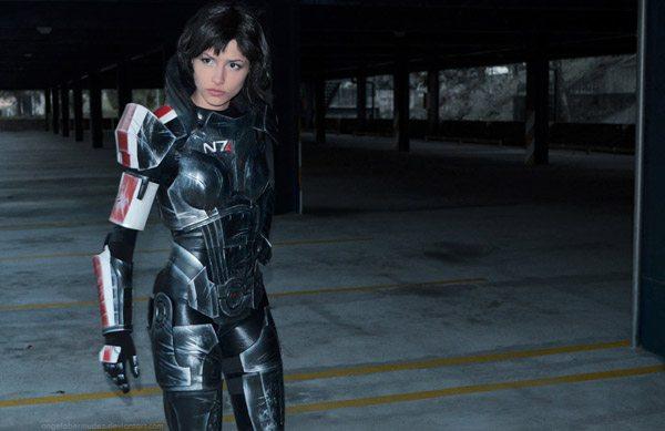 Mass Effect: женская версия Шепарда