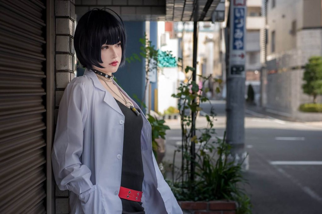 Отличный косплей на Punk Rock Doctor из Persona 5