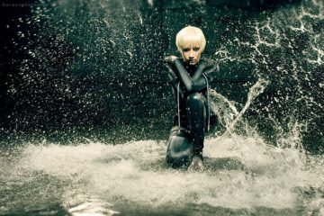 Поиграем под дождём с этим удивительным косплеем Смеющегося осьминога