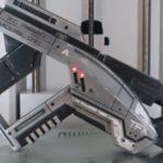 Эта модель пистолета из Mass Effect умеет складываться!