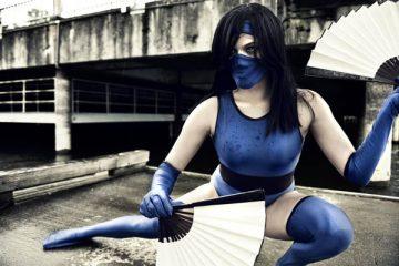 Убийственный косплей Китаны из Mortal Combat