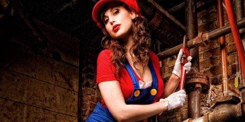 Меган Мари представляет косплей Супер Марио