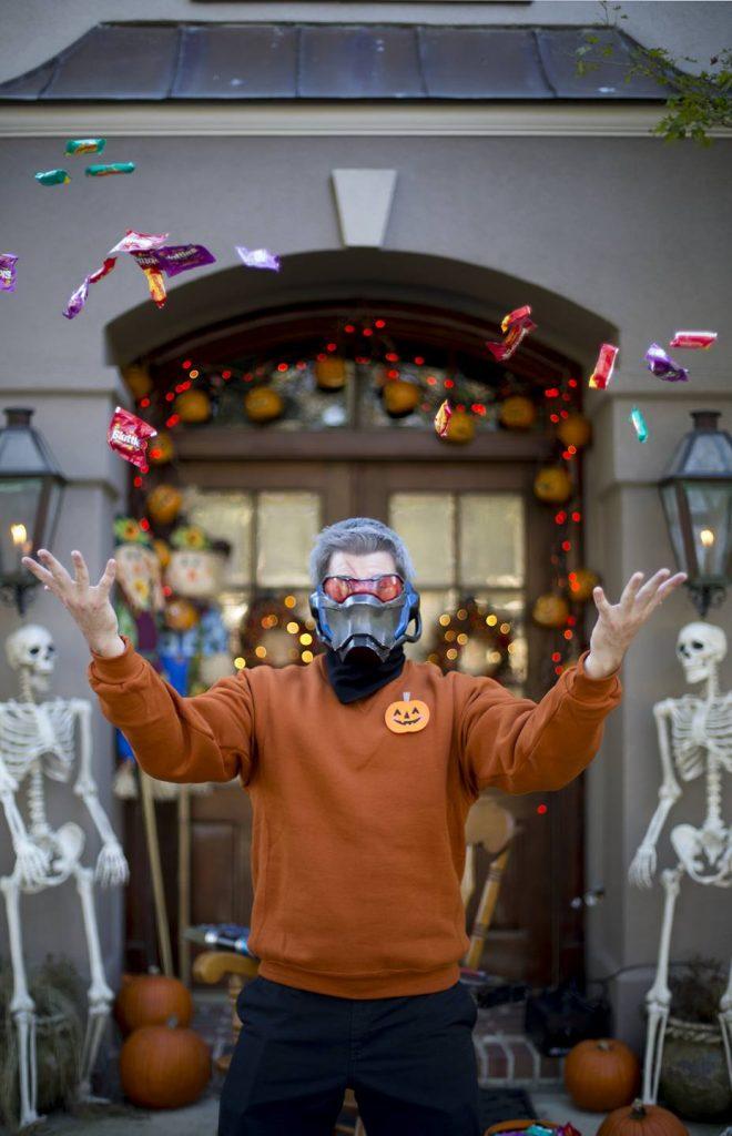 Солдат 76 позаботится о Хэллоуине
