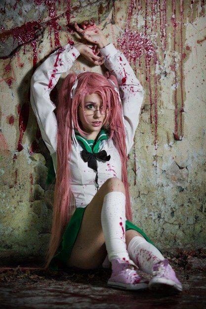 Самый умная убийца зомби в округе: косплей Саи Такаги из «Школы мертвецов»