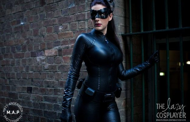 Кино-косплей: прекрасная взломщица, Женщина-Кошка из «Тёмный Рыцарь: Возрождение легенды»