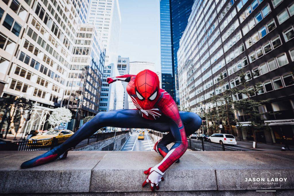 Достань мне фото косплея Человека-паука!