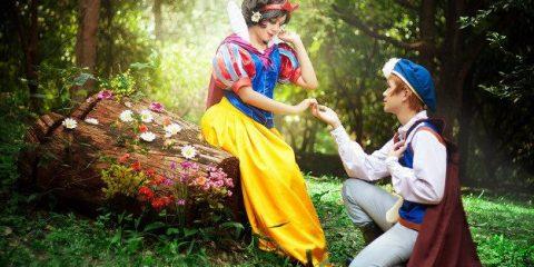 Косплей дня: очаровательная пара из «Белоснежки»