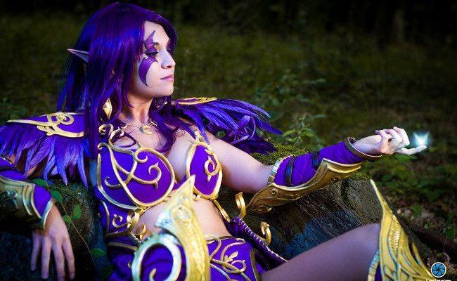 Победа в её руках: мистический косплей ночного эльфа-друида из Warcraft