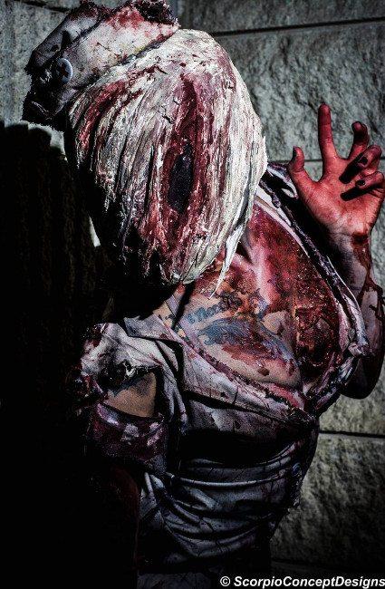 Жуткий косплей медсестры из Silent Hill