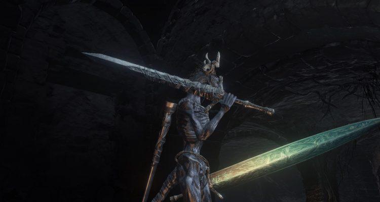 Мод добавляет мечи Людвига «Holy» и «Holy Moonlight» из Bloodborne в Dark Souls 3