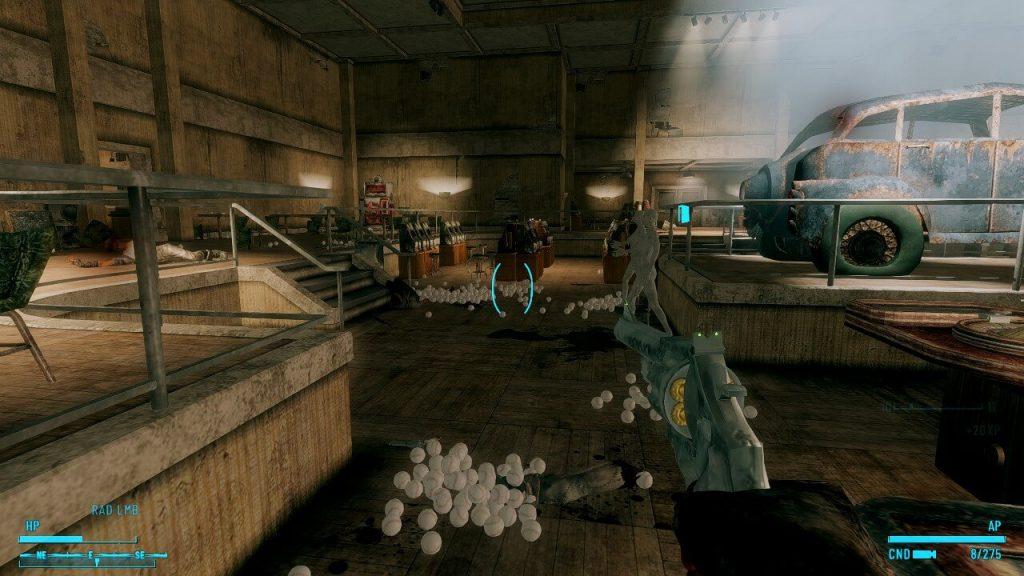 Мод на пистолет Fallout: New Vegas, который стреляет смертельными бейсбольными мячами