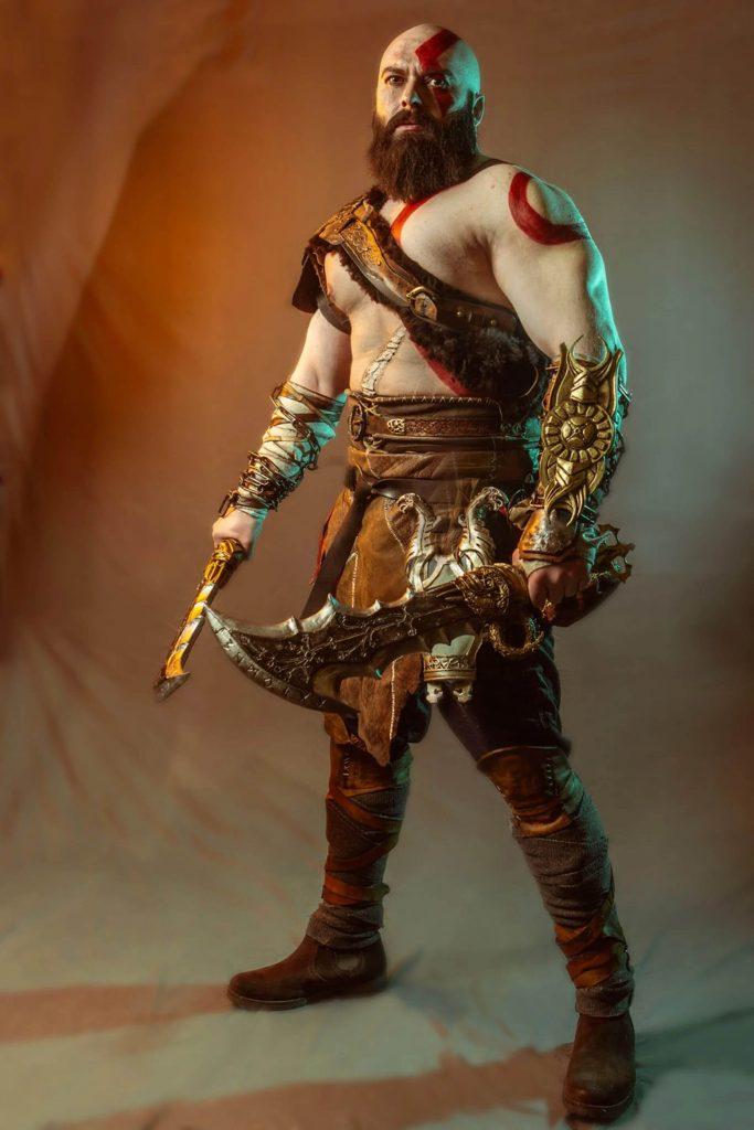 Только посмотрите на этот невероятный косплей God Of War