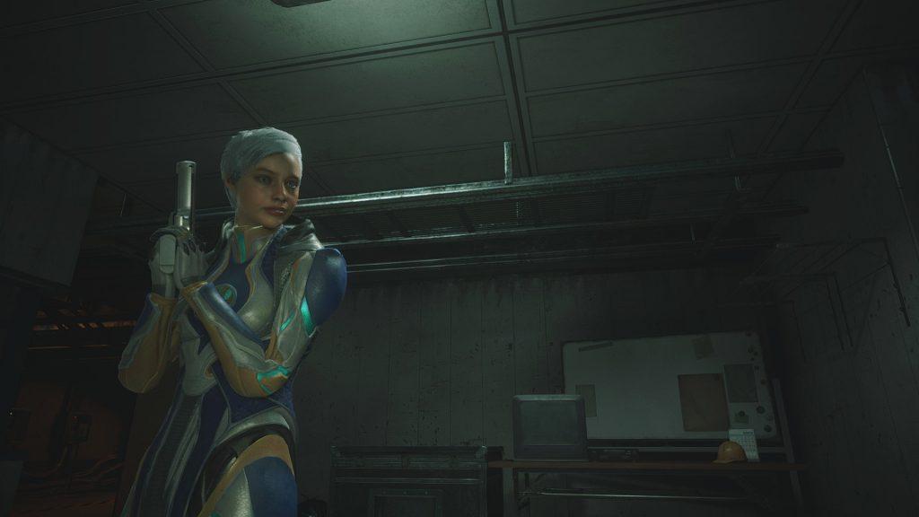 В Resident Evil 2 Remake появилась возможность сыграть Фрост из Mortal Kombat 11