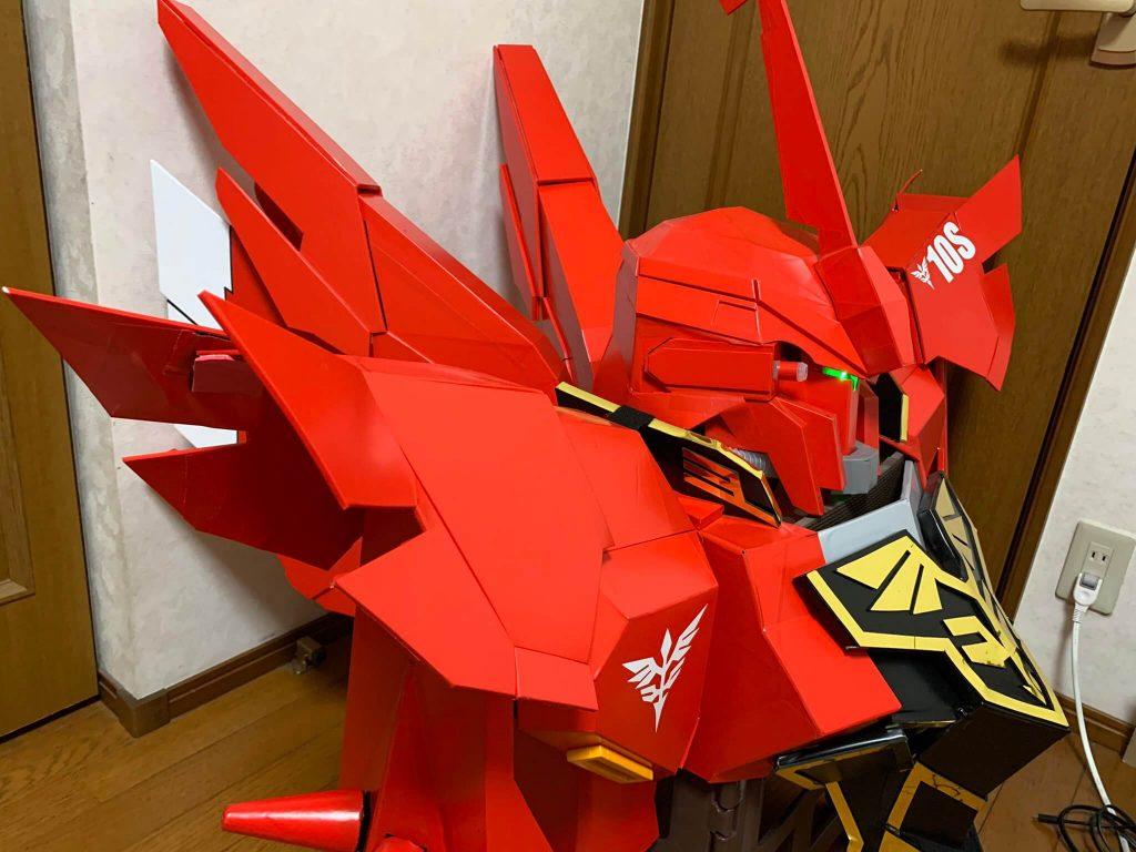 Наконец-то, действительно крутой косплей по Gundam