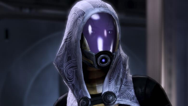 Лицо Тали под шлемом