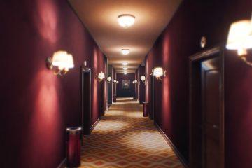 The Suicide of Rachel Foster представляет собой детектив в старом отеле и является некой смесью Gone Home и Firewatch