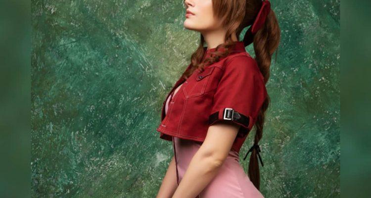 Абсолютно очаровательный косплей Аэрит из Final Fantasy VII