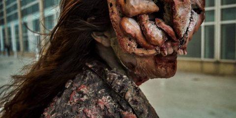 Косплей на щелкуна из The Last of Us выводит мутацию на новый уровень