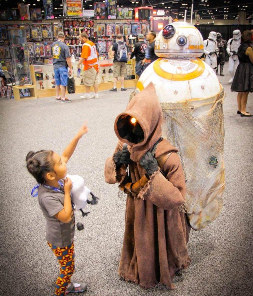 Фантастический косплей BB-8 из Звездных Войн